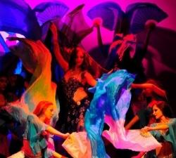 04-spettacolo-danzatrici