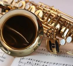 37-saxophone